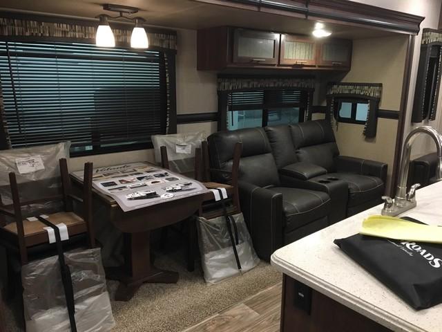 2017 Crossroads Volante 3201IK Mandan, North Dakota 12