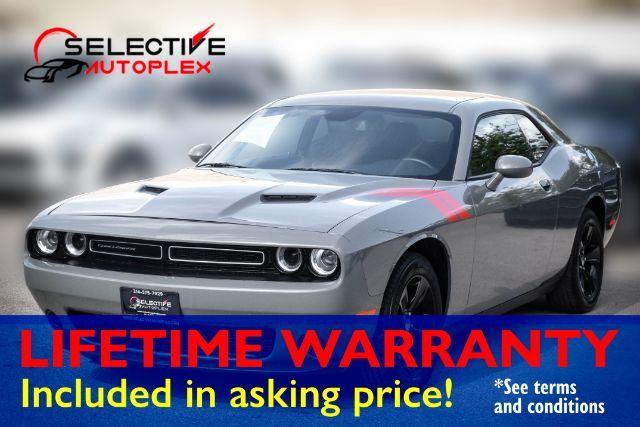 2017 Dodge Challenger SXT V6,305 Horsepower
