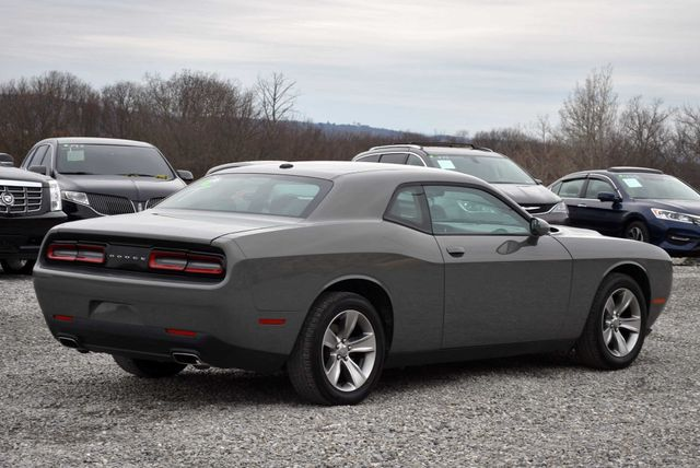 2017 Dodge Challenger SXT Naugatuck, Connecticut 4