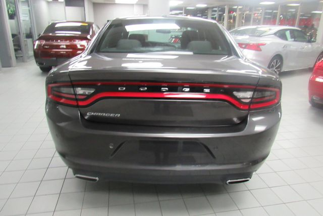 2017 Dodge Charger SE Chicago, Illinois 4
