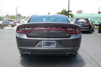 2017 Dodge Charger SXT Hialeah, Florida 4