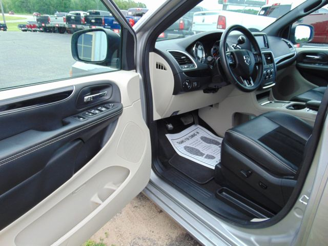 2017 Dodge Grand Caravan SXT Alexandria, Minnesota 12
