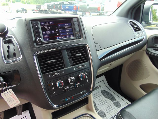 2017 Dodge Grand Caravan SXT Alexandria, Minnesota 6