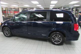 2017 Dodge Grand Caravan SXT W/ BACK UP CAM Chicago, Illinois 3