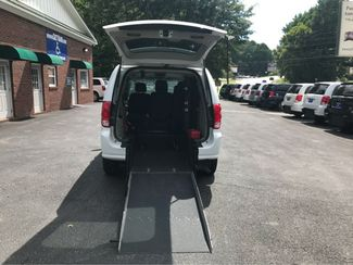 2017 Dodge Grand Caravan handicap wheelchair accessible van Dallas, Georgia 1