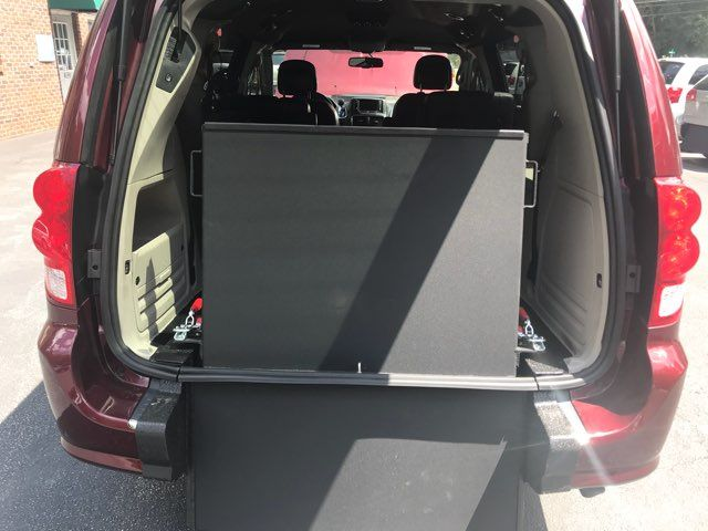 2017 Dodge Grand Caravan SXT handicap wheelchair accessible Dallas, Georgia 12