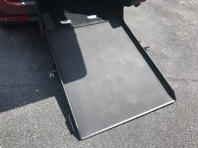 2017 Dodge Grand Caravan SXT handicap wheelchair accessible Dallas, Georgia 15