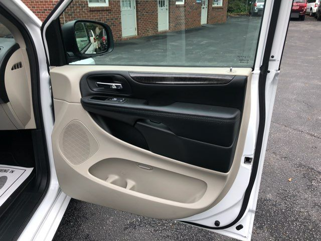 2017 Dodge Grand Caravan SE handicap Accessible Wheelchair Van Dallas, Georgia 19