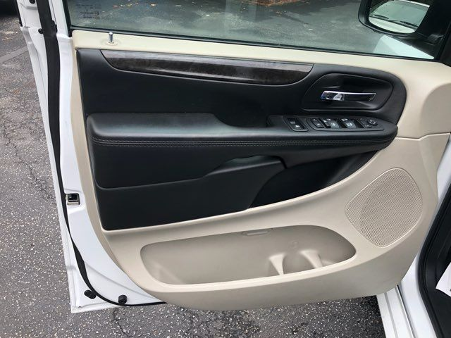 2017 Dodge Grand Caravan SE handicap Accessible Wheelchair Van Dallas, Georgia 9