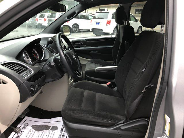 2017 Dodge Grand Caravan SE handicap Accessible Wheelchair Van Dallas, Georgia 10