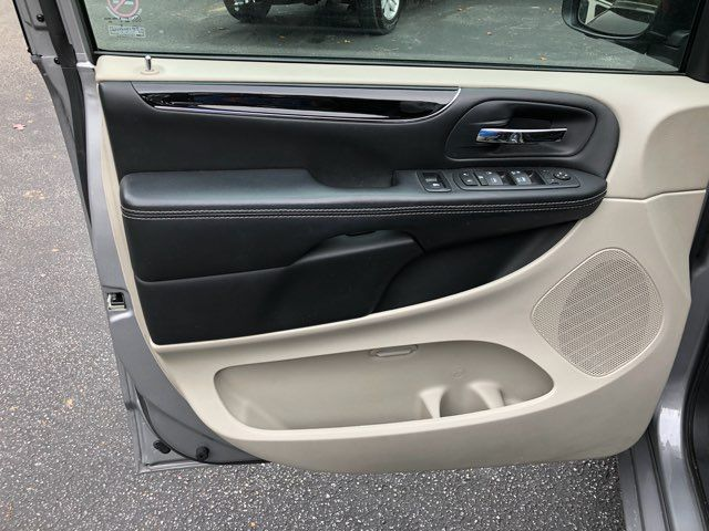 2017 Dodge Grand Caravan SE handicap Accessible Wheelchair Van Dallas, Georgia 11