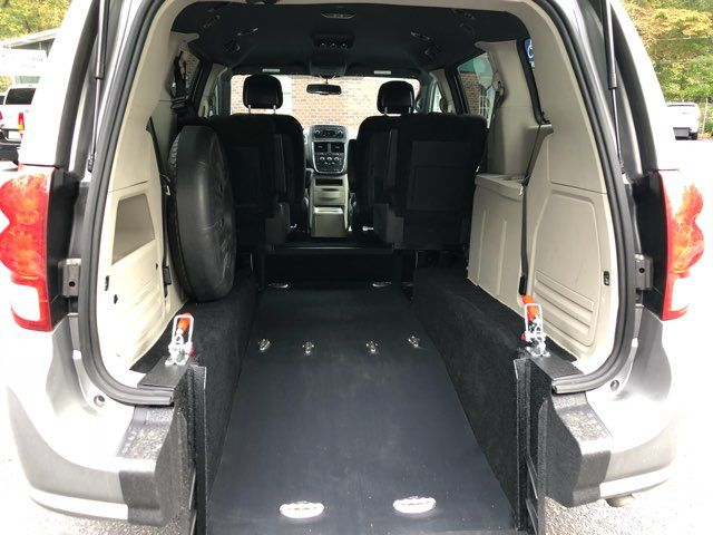 2017 Dodge Grand Caravan SE handicap Accessible Wheelchair Van Dallas, Georgia 1