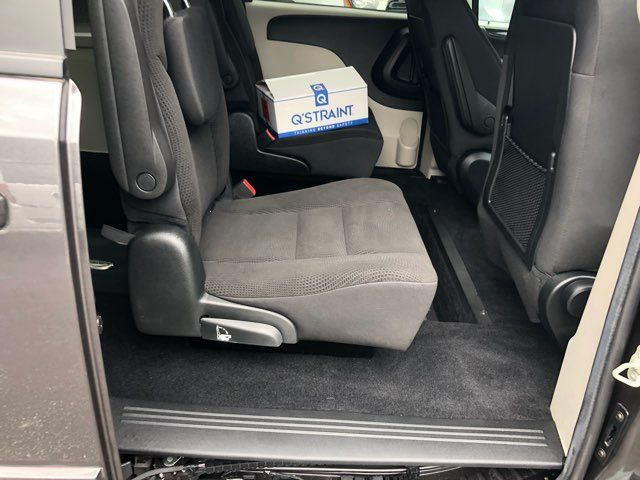 2017 Dodge Grand Caravan Handicap wheelchair accessible van Dallas, Georgia 18