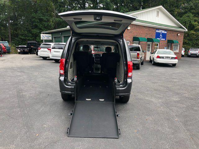 2017 Dodge Grand Caravan Handicap wheelchair accessible van Dallas, Georgia 1