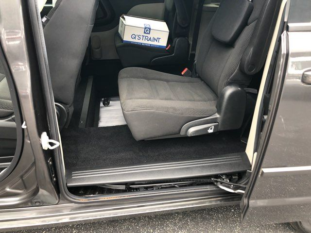 2017 Dodge Grand Caravan Handicap wheelchair accessible van Dallas, Georgia 9