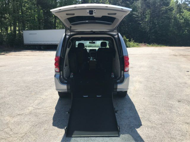 2017 Dodge Grand Caravan handicap wheelchair accessible van Dallas, Georgia 4