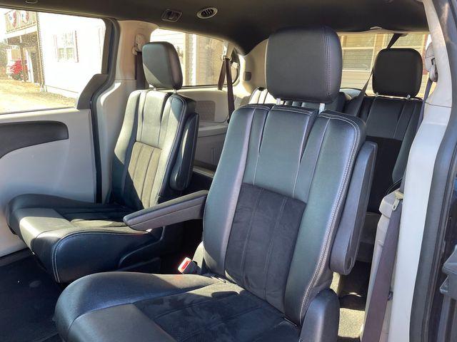 2017 Dodge Grand Caravan SXT Hoosick Falls, New York 7