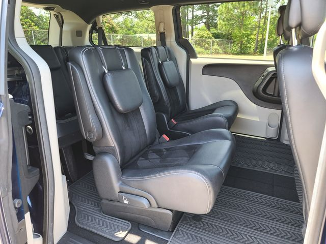 2017 Dodge Grand Caravan SXT in Hope Mills, NC 28348