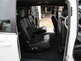 2017 Dodge Grand Caravan SXT Houston, Mississippi 9