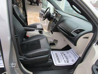 2017 Dodge Grand Caravan SXT Houston, Mississippi 16