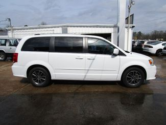 2017 Dodge Grand Caravan SXT Houston, Mississippi 3