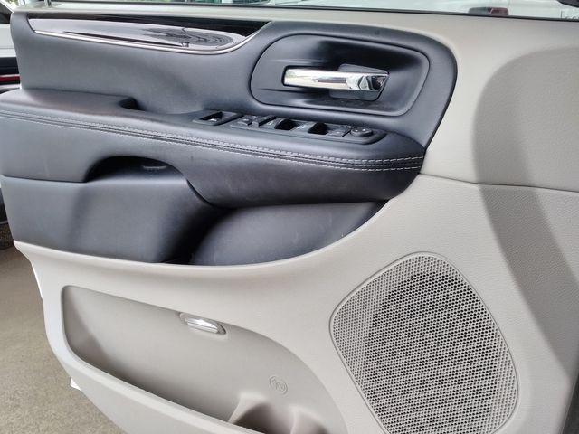 2017 Dodge Grand Caravan SE Plus Houston, Mississippi 19