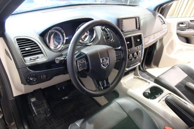 2017 Dodge Grand Caravan SXT in Roscoe, IL 61073