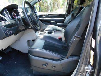2017 Dodge Grand Caravan Sxt Wheelchair Van Handicap Ramp Van Pinellas Park, Florida 5