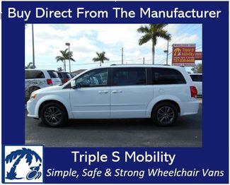 2017 Dodge Grand Caravan Sxt Wheelchair Van Handicap Ramp Van Pinellas Park, Florida