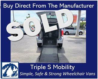 2017 Dodge Grand Caravan Sxt Wheelchair Van Handicap Ramp Van in Pinellas Park, Florida 33781
