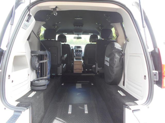2017 Dodge Grand Caravan Sxt Wheelchair Van Pinellas Park, Florida 6