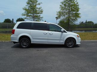 2017 Dodge Grand Caravan Sxt Wheelchair Van Pinellas Park, Florida 2