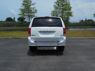 2017 Dodge Grand Caravan Sxt Wheelchair Van Pinellas Park, Florida 5