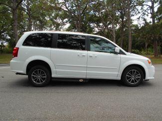 2017 Dodge Grand Caravan Sxt Wheelchair Van Pinellas Park, Florida 2