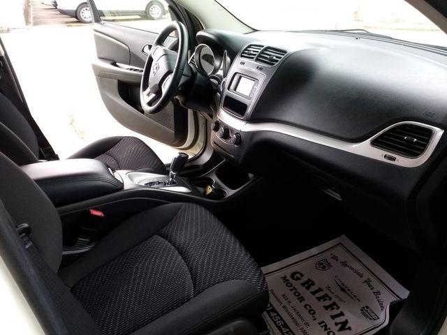 2017 Dodge Journey SE Houston, Mississippi 8