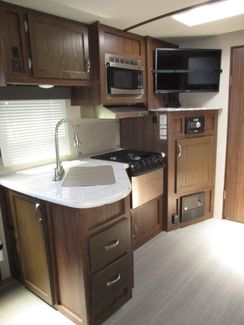 2017 Dutchmen Aerolite Luxury Class  city Florida  RV World of Hudson Inc  in Hudson, Florida
