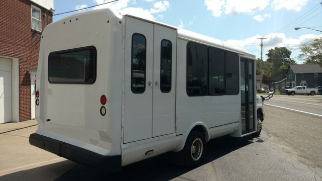 2017 Eldorado National 14 Passenger - 12&2 floor plan Wheelchair Accessible Alliance, Ohio 2