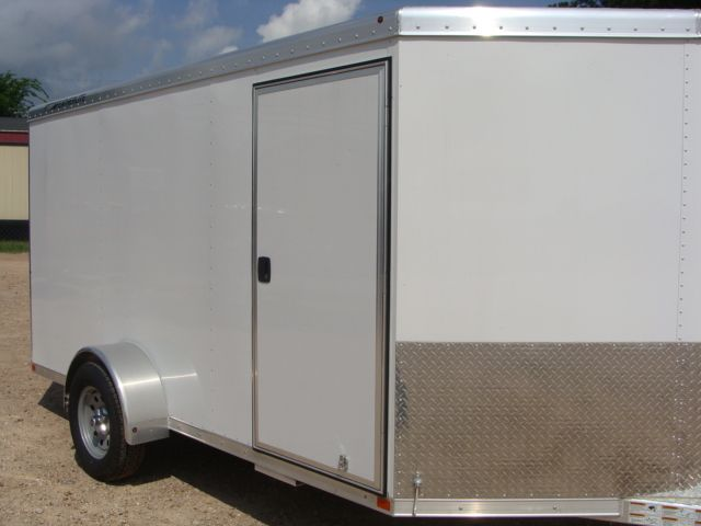 2017 Featherlite 1610 - 12 Encl Utility 12' ENCLOSED UTILITY CONROE, TX 1