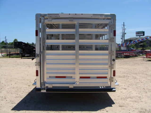 2017 Featherlite 8127 - 36' Stock Trailer 36' LIVESTOCK/ CATTLE TRAILER CONROE, TX 21