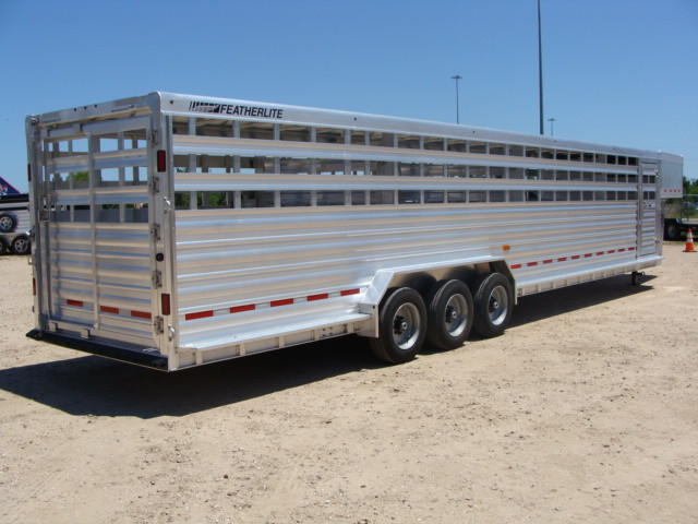 2017 Featherlite 8127 - 36' Stock Trailer 36' LIVESTOCK/ CATTLE TRAILER CONROE, TX 36