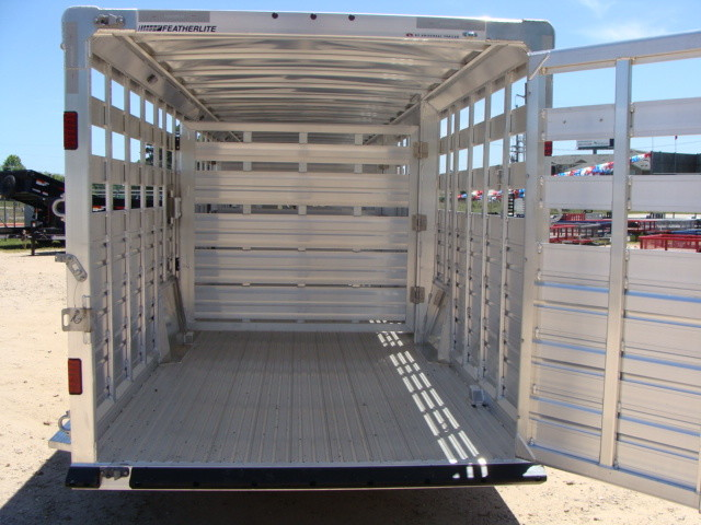 2017 Featherlite 8127 - 36' Stock Trailer 36' LIVESTOCK/ CATTLE TRAILER CONROE, TX 24
