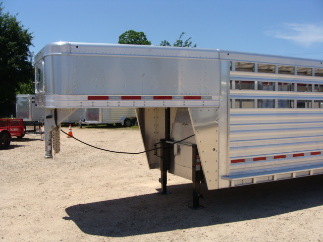 2017 Featherlite 8127 - 36' Stock Trailer 36' LIVESTOCK/ CATTLE TRAILER CONROE, TX 5