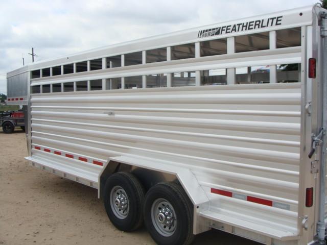 2017 Featherlite 8127 - 20' Stock Trailer 20' LIVESTOCK/ CATTLE TRAILER CONROE, TX 9