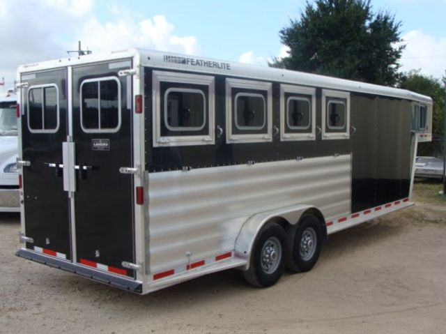 2017 Featherlite 8542 4H Four Horse CONROE, TX 39