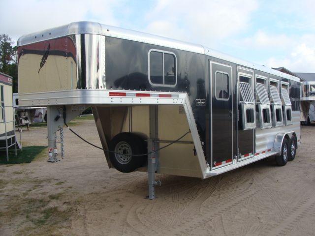 2017 Featherlite 8542 4H Four Horse CONROE, TX 9