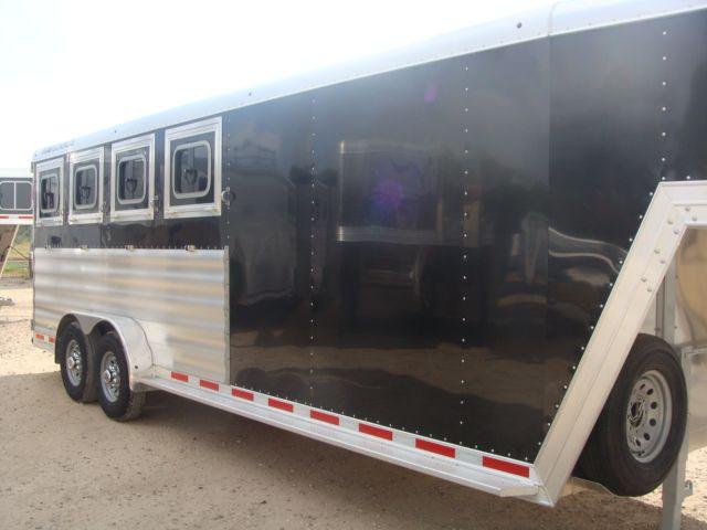 2017 Featherlite 8542 4H Four Horse CONROE, TX 1