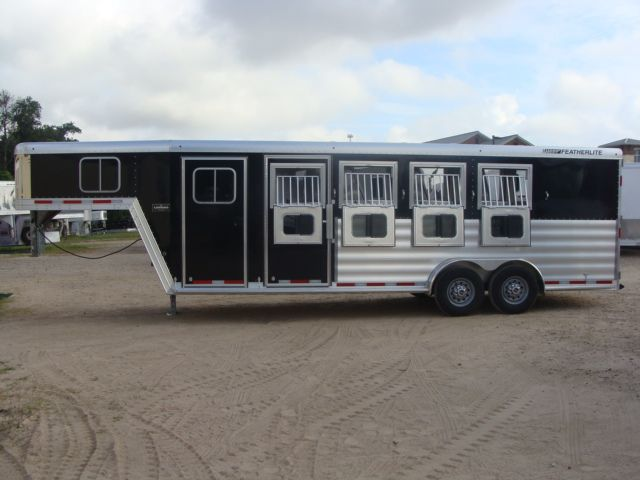 2017 Featherlite 8542 4H Four Horse CONROE, TX 21