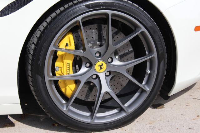 2017 Ferrari California T Austin , Texas 22