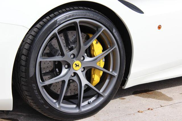 2017 Ferrari California T Austin , Texas 21