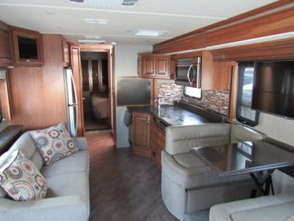 2017 Fleetwood Pace Arrow  33D Like New! Only 4K Miles! Bend, Oregon 9